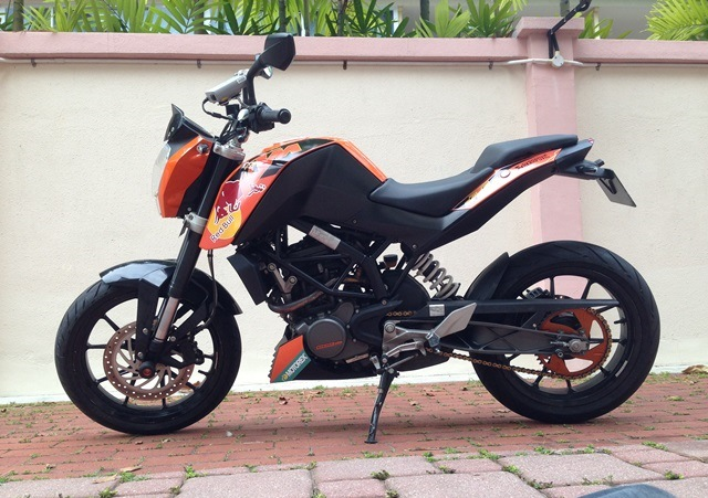 KTM Duke 125 Custom Decals